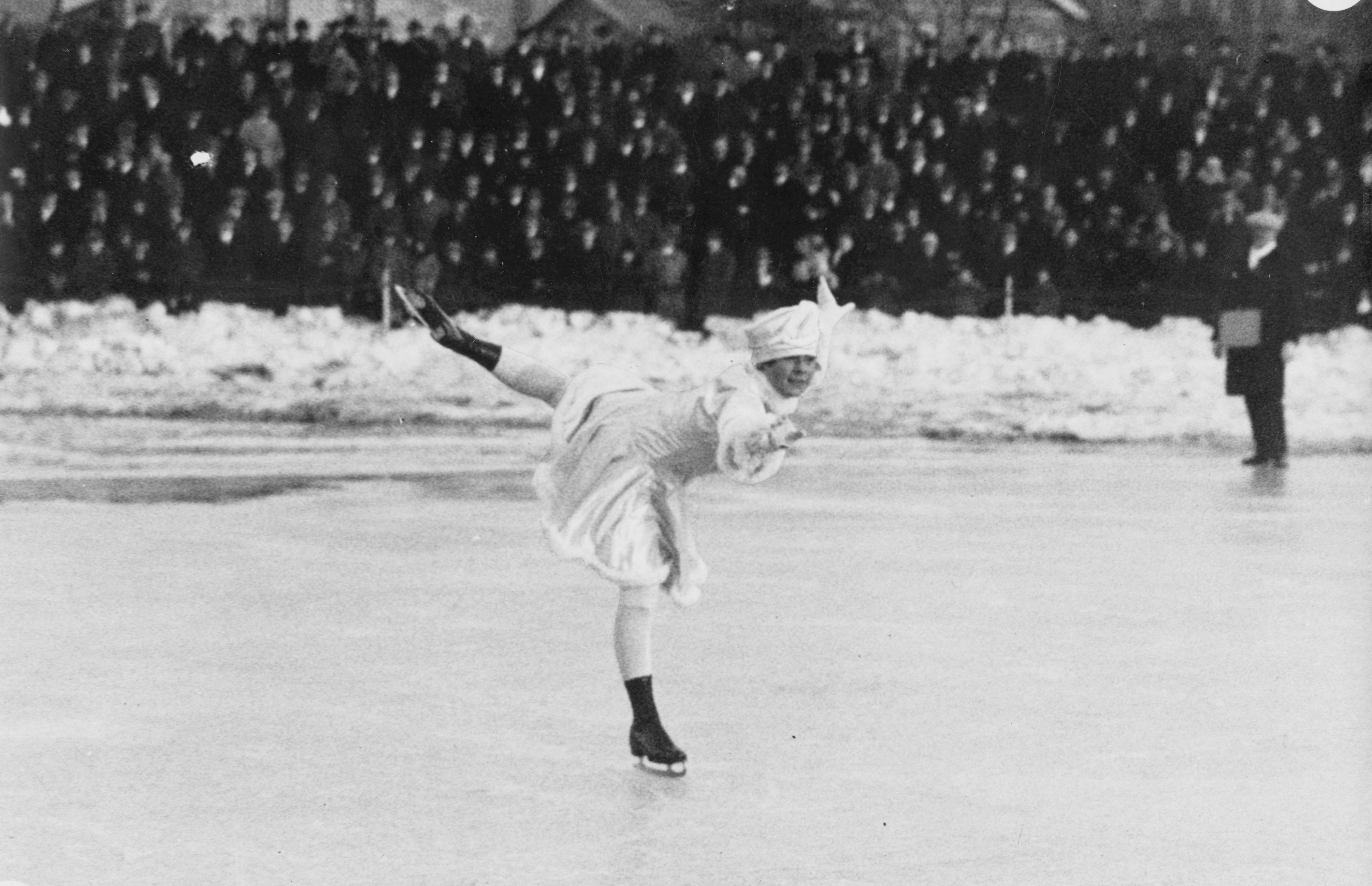 Sonja Henie skating at Frogner Stadium
