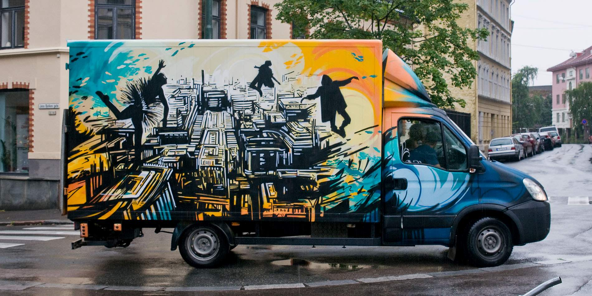 Grafitti art oslo - Alice Pasquini Sivertsen Co Flyttebyr Photo Roy Olsen
