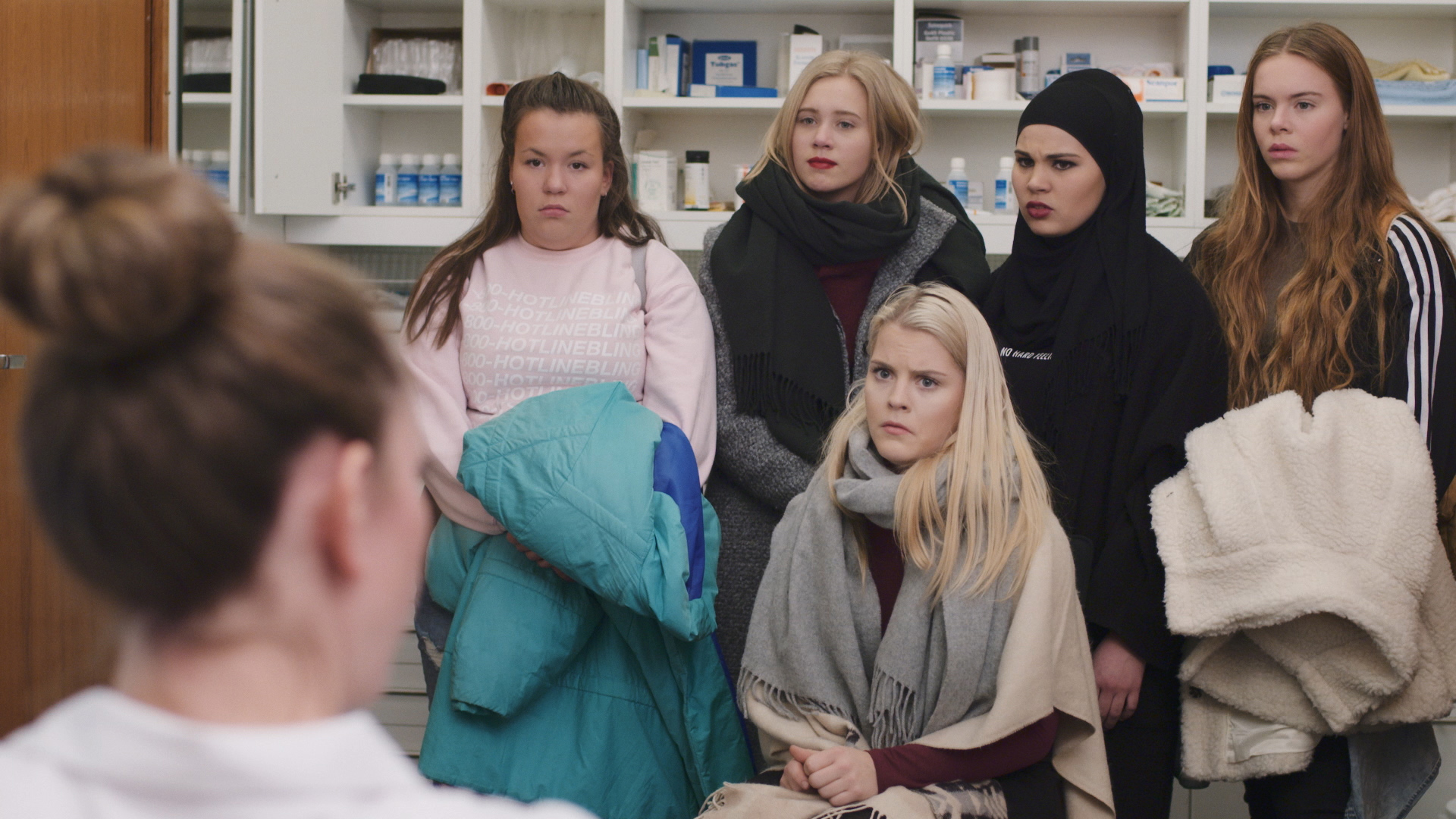 SKAM: The girls taking Vilde to see the school doctor